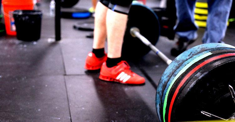 El levantamiento de peso forma parte del crossfit (Pixabay)