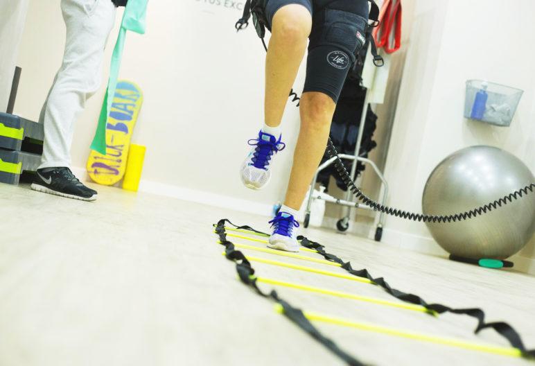 La electroestimulación genera contracciones musculares mediante electricidad (Pixabay)