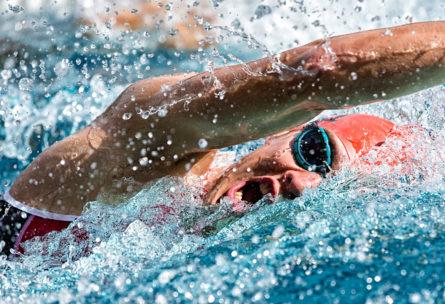 La natación es la primera disciplina en los triatlones de verano (iStock)