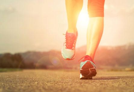 Correr con zapatillas adecuadas es más saludable para tus pies