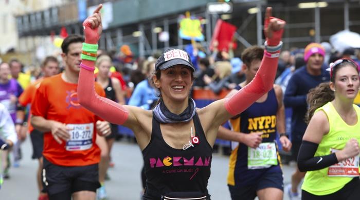 Participante en el maratón de Nueva York llegando a la meta. andykatz (iStock) Correr un maraton