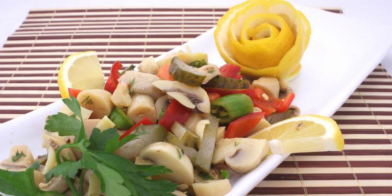 Los champiñones soprenden por su bajísimo contenido en grasas, hidratos de carbono y calorías (Pixabay)