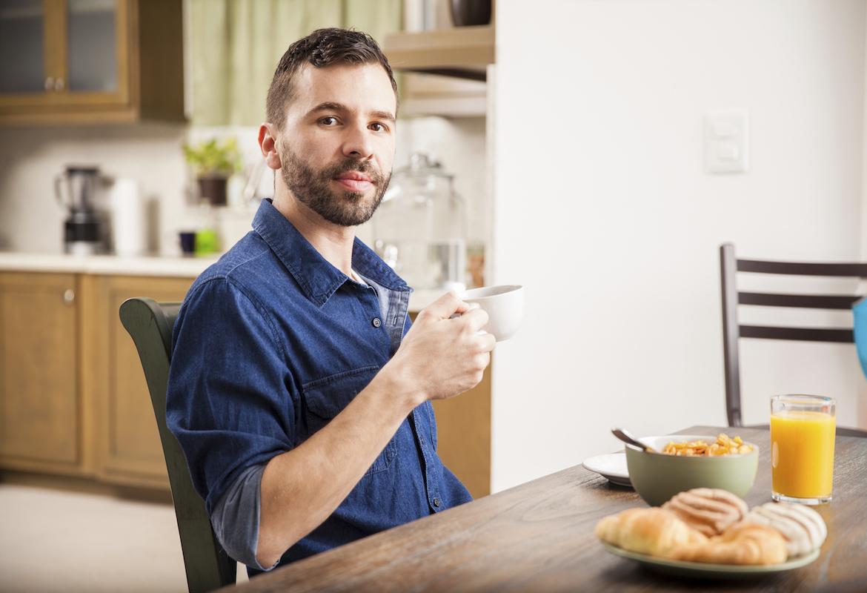 el mindfuleating puede ayudarnos a mantener la vigilancia en nuestra alimentación (iStock)