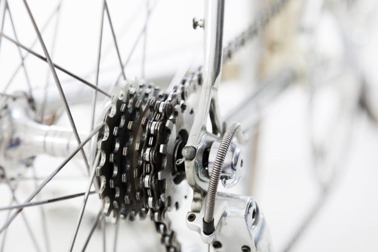 Pregunta qué grupo lleva montado la bici que te gusta (iStock)