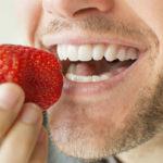 10 alimentos que ayudan a mejorar la salud bucal