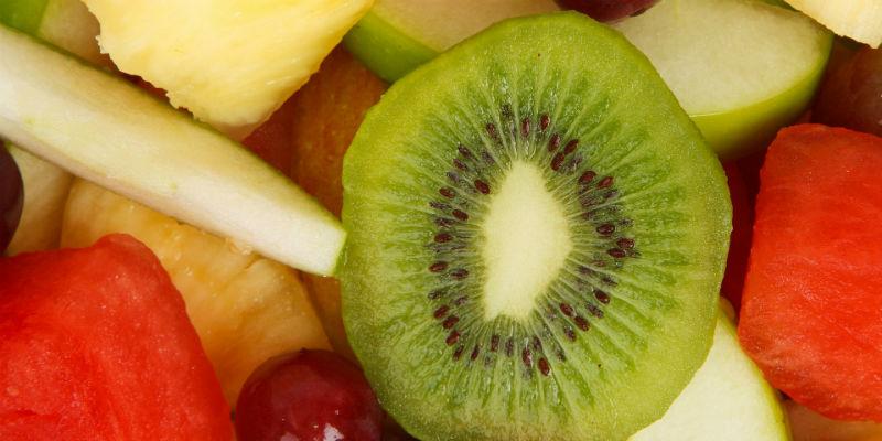 Algunas frutas hay que comerlas con moderación y especialmente entre las comidas principales (Pixabay)