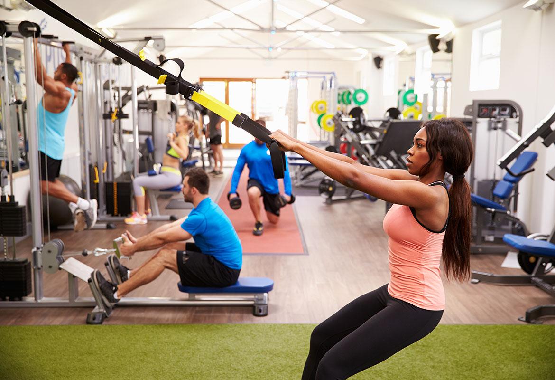 Para ponerse en forma no basta con llegar al gimnasio y ponerse a mover máquinas (iStock)