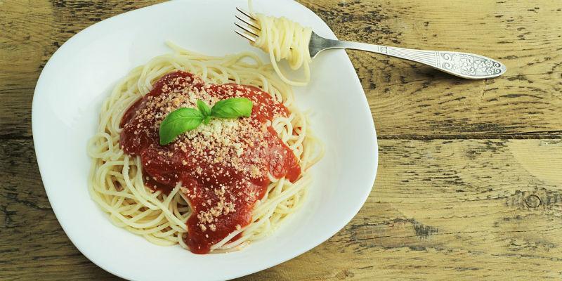 El alto contenido en carbohidratos de la pasta produce insomio (Pixabay)