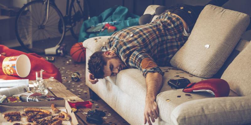 El exceso de alcohol ralentiza el sistema nervioso central y tiene efectos adversos en la vida sexual (iStock)