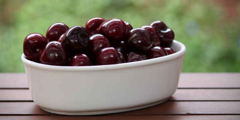 Al igual que la avena y las almendras, las cerezas son una fuente natural de melatonina (Pixabay)