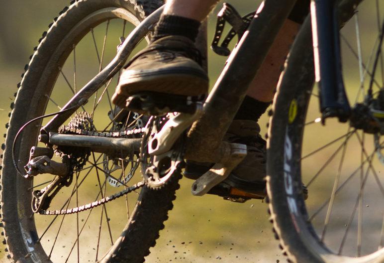 Hay que tener en cuenta algunos aspectos técnicos para elegir bici de montaña (iStock)