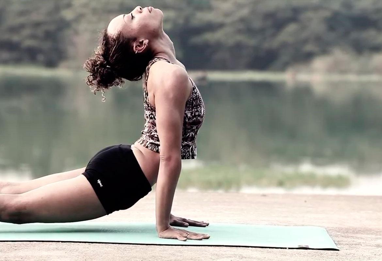 El yoga y el pilates son buenos para la flexibilidad. Flickr - Hamza Butt