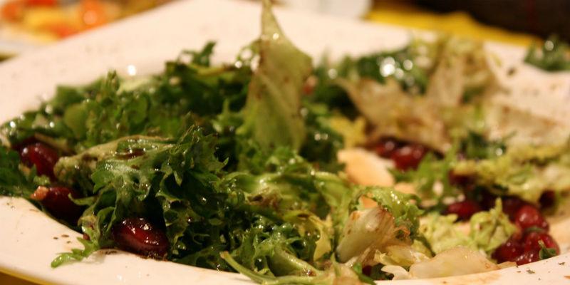 Ensalada de escarola y granada a la mostaza (Brocco-Flickr)