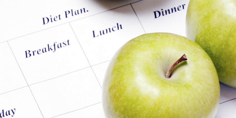 Varios estudios concluyen que no sólo importa qué se come, sino también cuándo se come. (iStock)