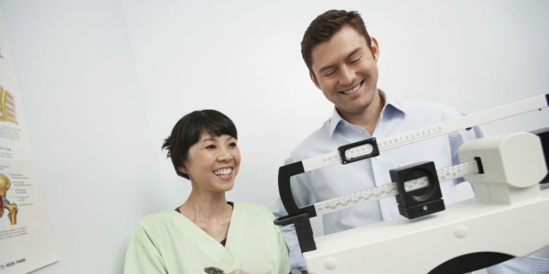 Cuando se alcanza el peso deseado y se abandonan los hábitos saludables se vuelven a recuperar lo kilos perdidos (iStock)