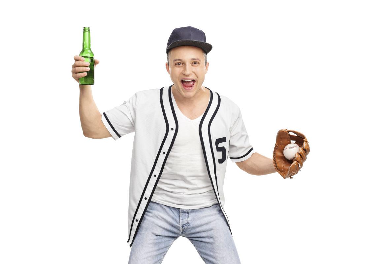La cerveza es una de las bebidas favoritas de muchos deportistas que la evitan por sus calorías. Sin embargo, tiene muchos beneficios. (iStock)
