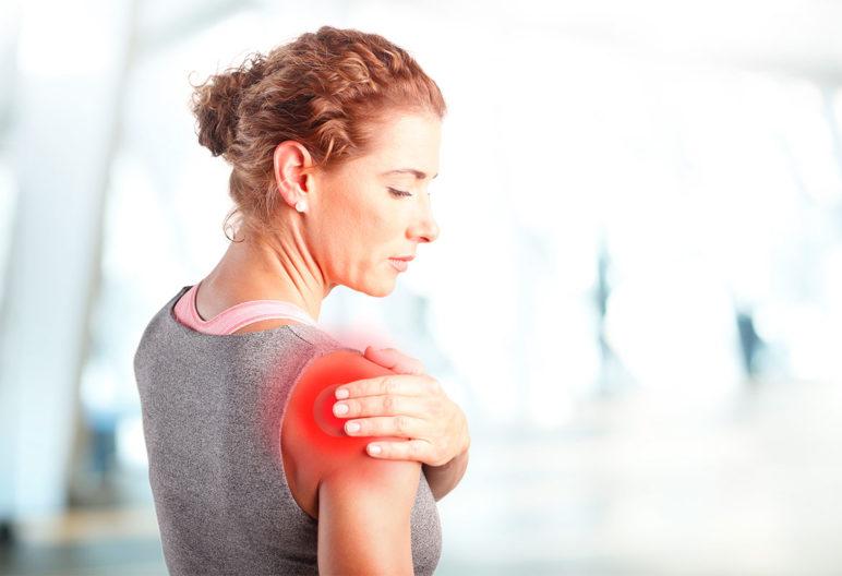 Espalda y hombros son zonas proclives a padecer una contractura (iStock)