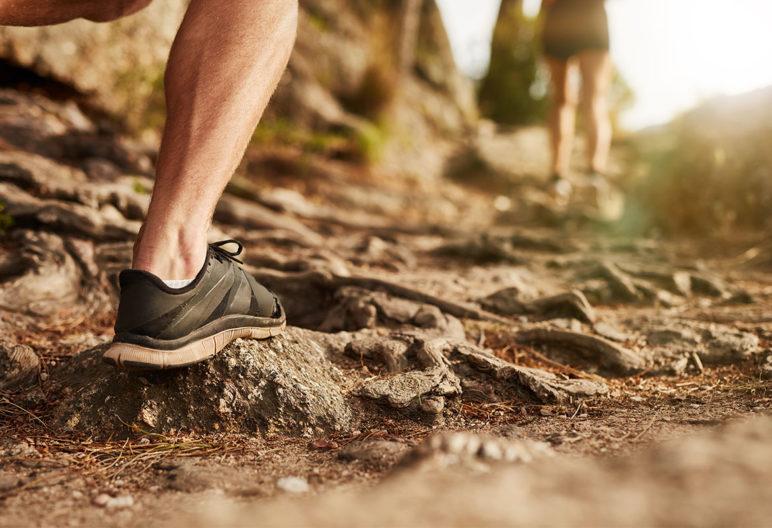 Entrenar la explosividad en running es básico para los corredores de montaña. (iStock)