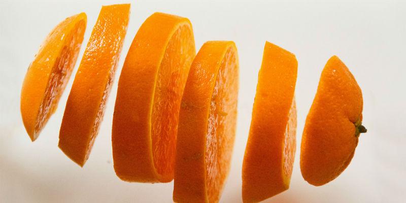 La vitamina C de la naranja favorece la absorción del calcio. (Pixabay)