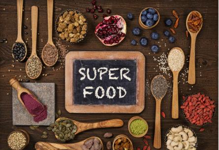 Los llamados superalimentos tienen grandes beneficios para el cuerpo. Desvelamos sus propiedades y cómo introducirlos en la dieta diaria. (iStock)