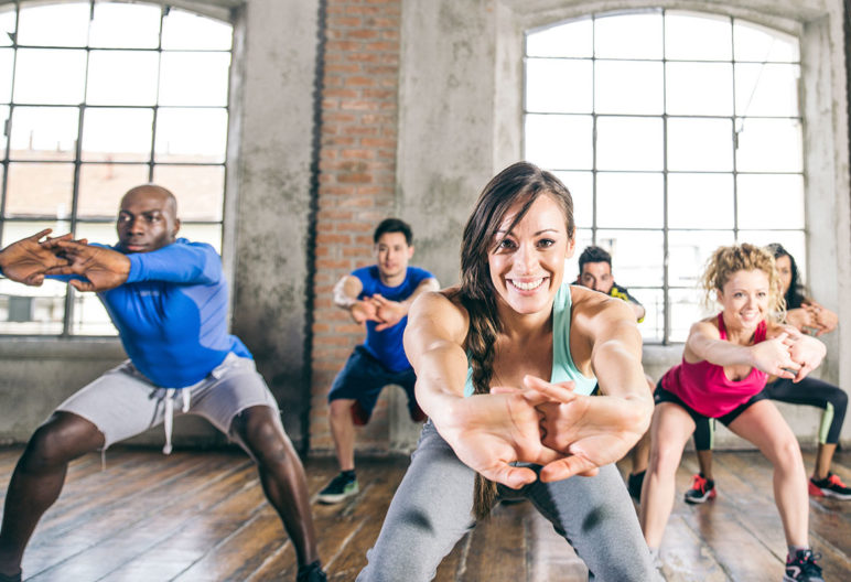 Muchas de las clases de gym son perfectas para perder peso. (iStock).