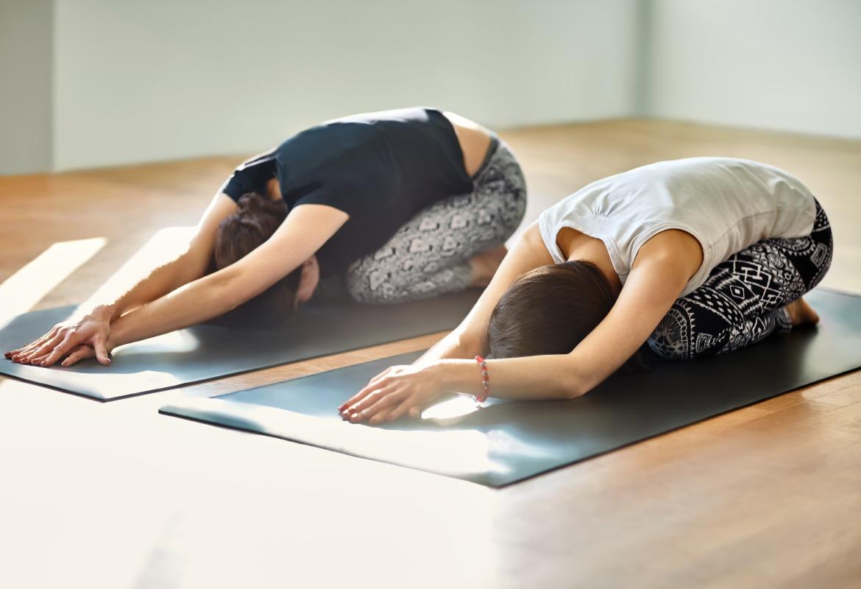 Mujeres practicando ejercicio