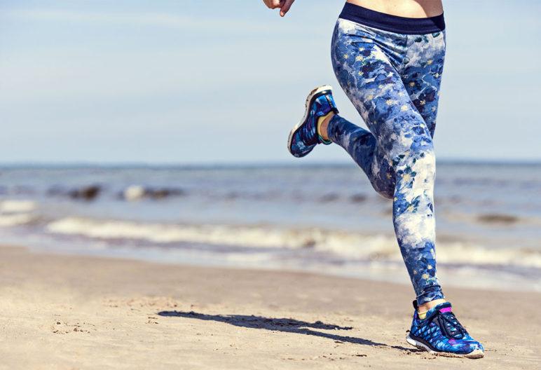 Correr en la arena tiene beneficios y riesgos. (iStock).
