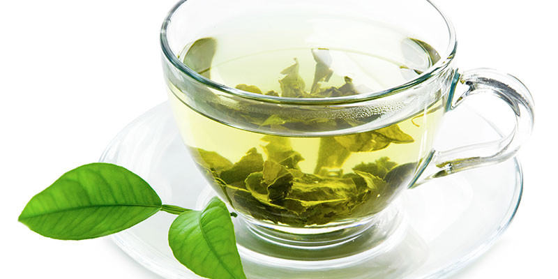 Té verde para combatir la caída del pelo (iStock).