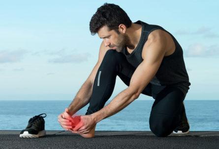 Hay varios trucos para evitar heridas en los pies (iStock)