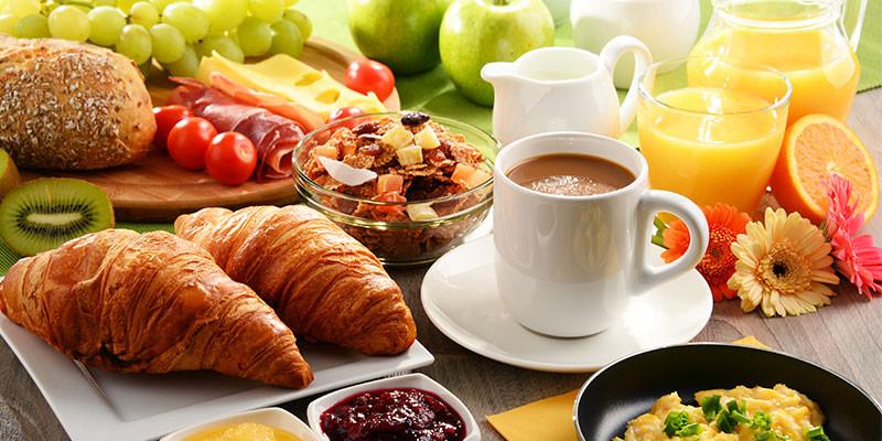 Un buen desayuno es básico para comenzar el día con buen pie (iStock)