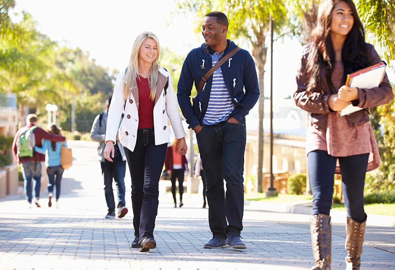 Ve andando al trabajo, a la compra, a la universidad… (iStock)