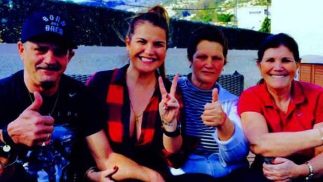Jorge Aveiro junto a la hermana de Cristiano y su madre (Twitter)