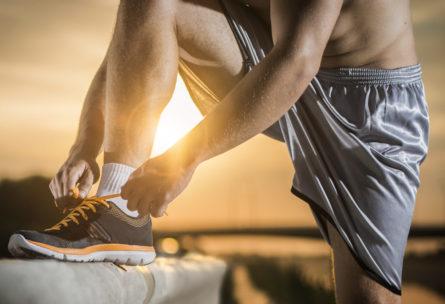 Llevar un buen equipamiento es un clave muy importante del ejercicio (Istock)