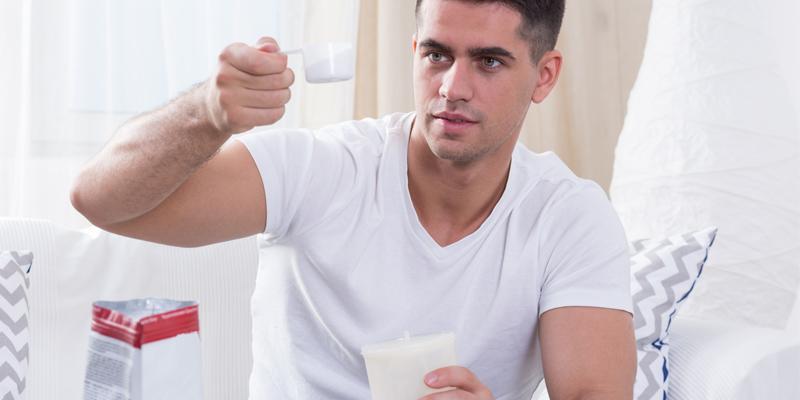 Los suplementos siempre han de ser tomados con precaución para evitar posibles efectos secundarios (iStock)