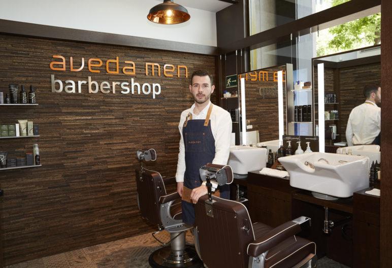 Jesús Viejo, el experto barbero de Aveda men barbershop