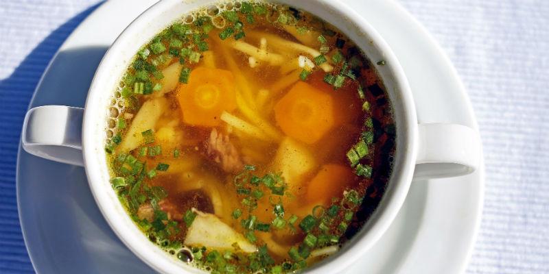 Las sopas tienen un alto poder saciante y permanecen más tiempo en el estómago (Pixabay)