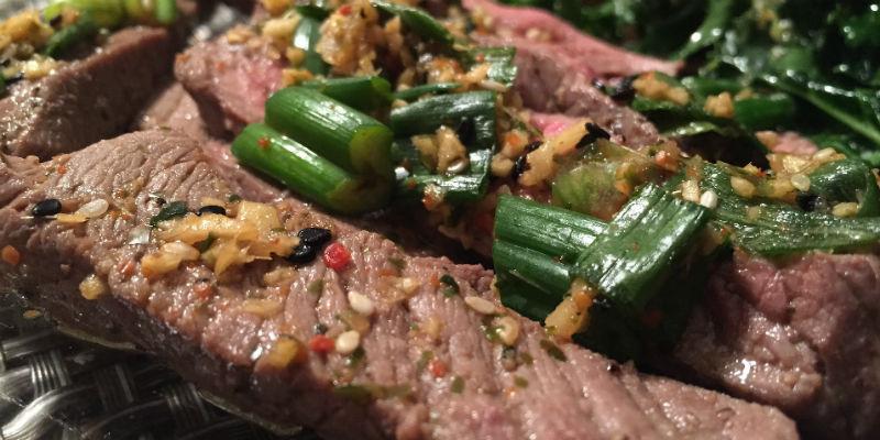 La carne roja se convierte en un alimento muy pesado para comer antes de acostarse (Pixabay)