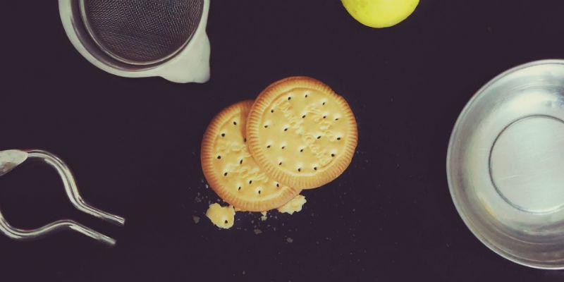 Un café con leche y 5 galletas es una deliciosa y nutritiva merienda. (Pixabay)