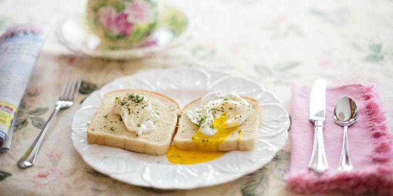 Los huevos de gallina tienen 13,8 mg. de hierro por cada 100 gr. (Pixabay)
