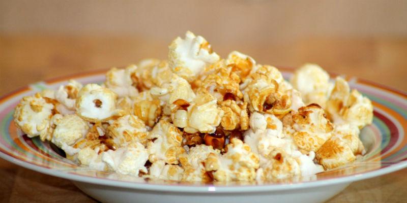 Las palomitas no tienen muchas calorías y son fuente de fibra (Pixabay)