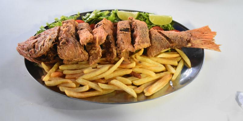 El pescado facilita la quema de grasas (Pixabay)