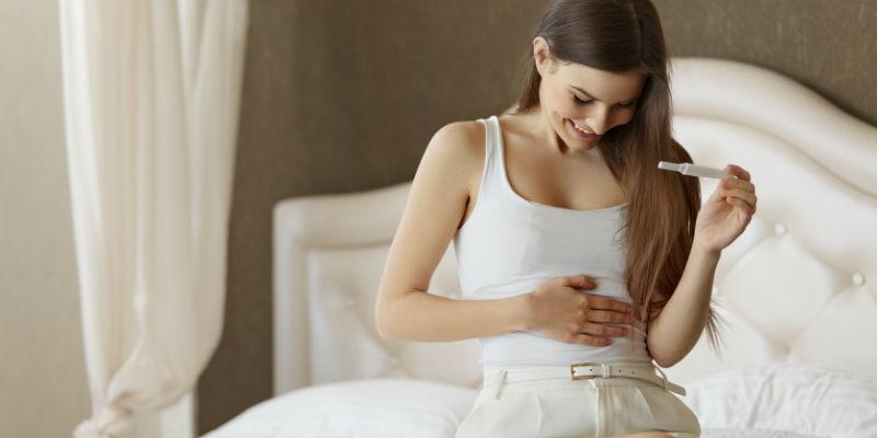 El retraso de la menstruación suele ser las señal más inequívoca de una incipiente gestación (iStock)