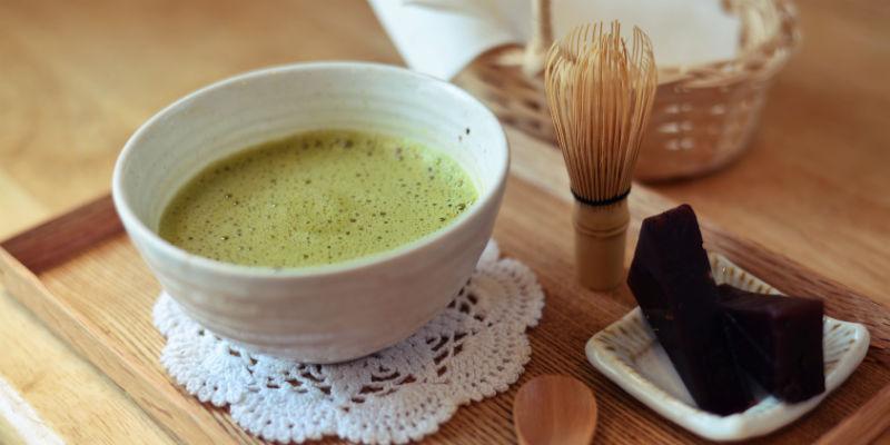 El té matcha se ha convertido en una de las bebidas favoritas de los más modernos. (iStock)