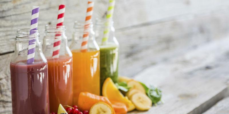 Los zumos también pueden ser bebidas que menos engordan siempre y cuando sean naturales (iStock)