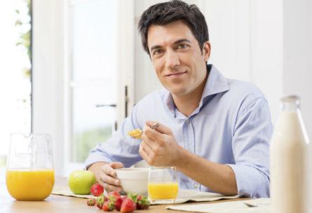 Se puede aprender a comer más sano sin sacrificios (iStock)