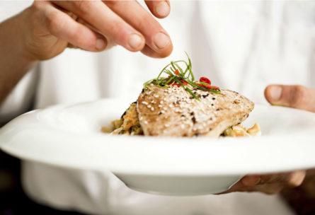 El atún es uno de los pescados azules más consumidos en España (iStock)