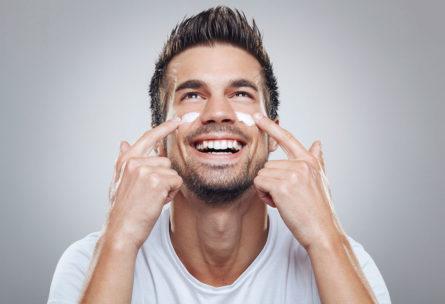 Si eres hombre, también debes cuidar tu piel (iStock)