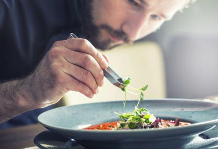 Diez platos fáciles para conquistarla (iStock)