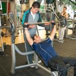 10 peligros que puede causar el uso de pesas