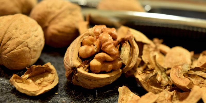Las nueces son el perfecto snack para llevar al trabajo. (Pixabay)
